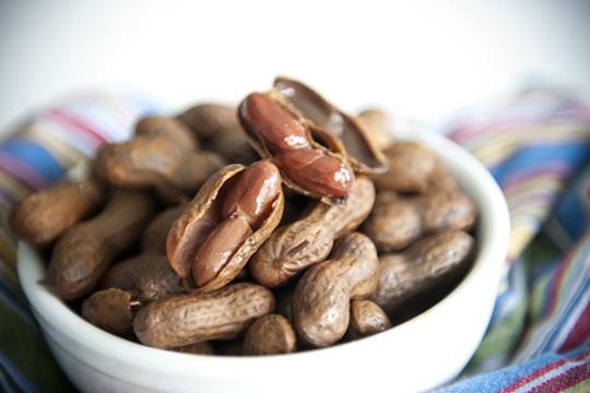 Caloric intake for boiled peanuts